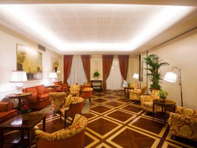 Palazzo Alabardieri - Palazzo Alabardieri, raffinato hotel 4 stelle nel cuore di Napoli, risulta una location raffinata per meeting, ricevimenti ed eventi. Scopri il nostro centro congresso e contattaci per un preventivo gratuito.