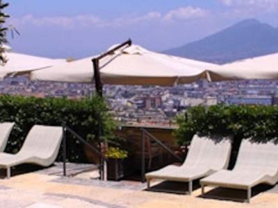 Hotel San Francesco al Monte Napoli - Meeting e congressi vista mare a due passi dal centro di Napoli in un contesto unico ed elegante. Contattaci per una proposta personalizzata.