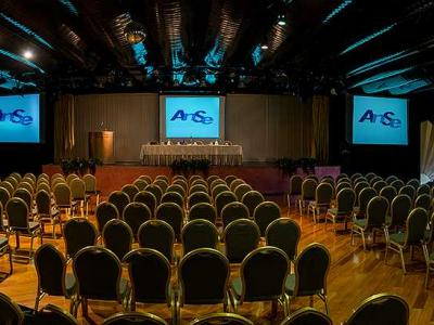 Loano2Village - Meeting ed eventi in Liguria tutti le sale, i servizi di Loano2Village centro congressi a Loano.