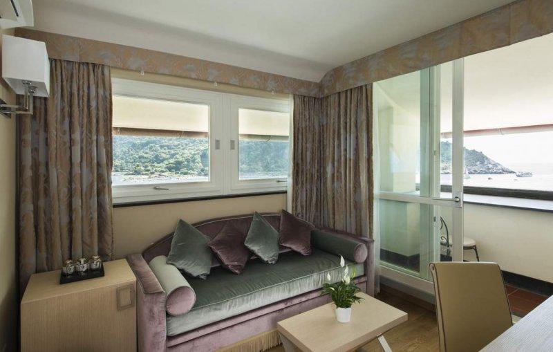 GRAND HOTEL PORTOVENERE Junior Suite
