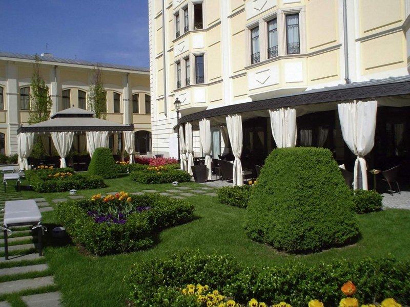 GRAND VISCONTI PALACE Giardino