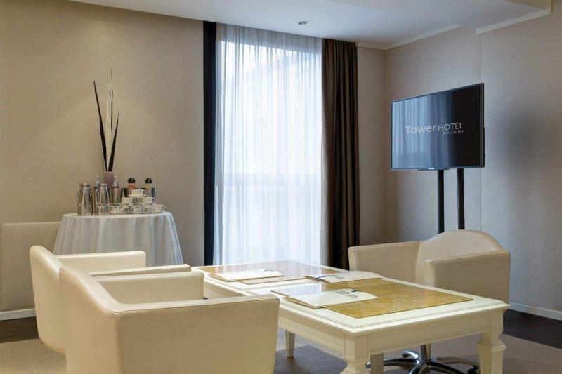 BEST WESTERN PLUS TOWER HOTEL BOLOGNA Sala meeting Turrita