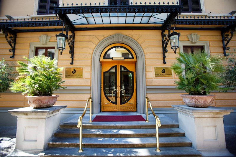 HOTEL ALBANI FIRENZE Entrata