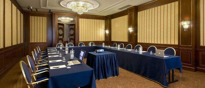 Foyer Area Traduzione : Congressi e meeting sul lago maggiore grand hotel bristol