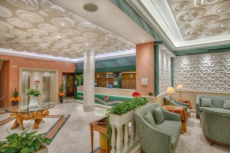 GRAND HOTEL ADRIATICO Hall e salotti