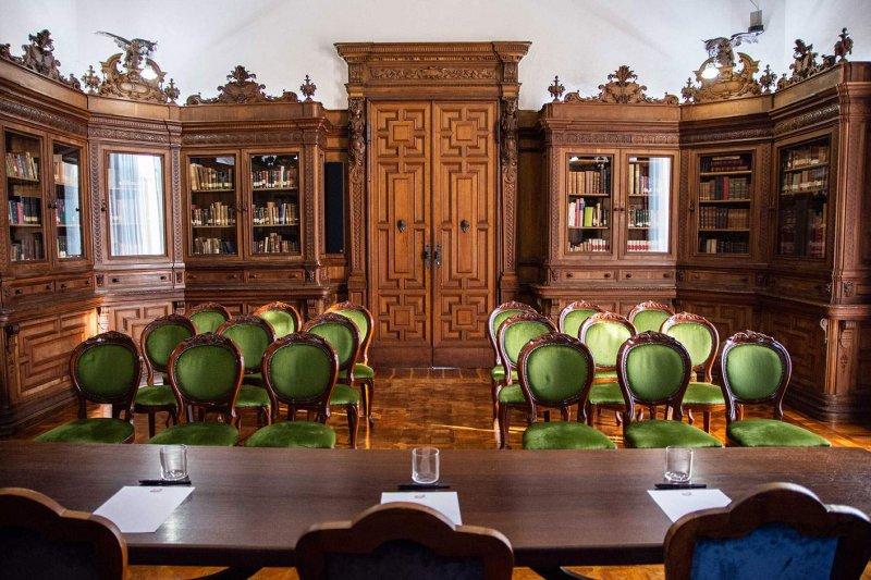 VILLA SAN FERMO La Biblioteca